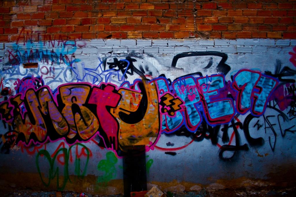 Boom, Graffiti